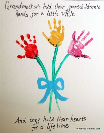 11 - Meaningful Mama - Handprint Flowers