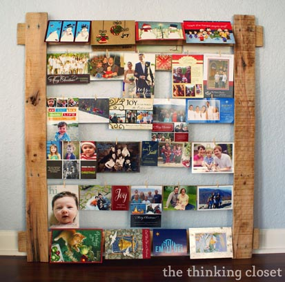 19---The-Thinking-Closet---DIY-Pallet-Card-Hanger