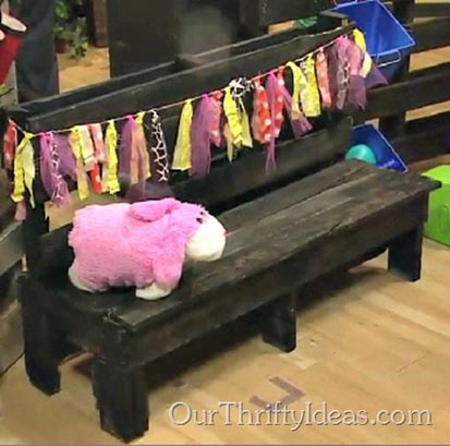 24---Our-Thrifty-Ideas---Kid's-Pallet-Bench