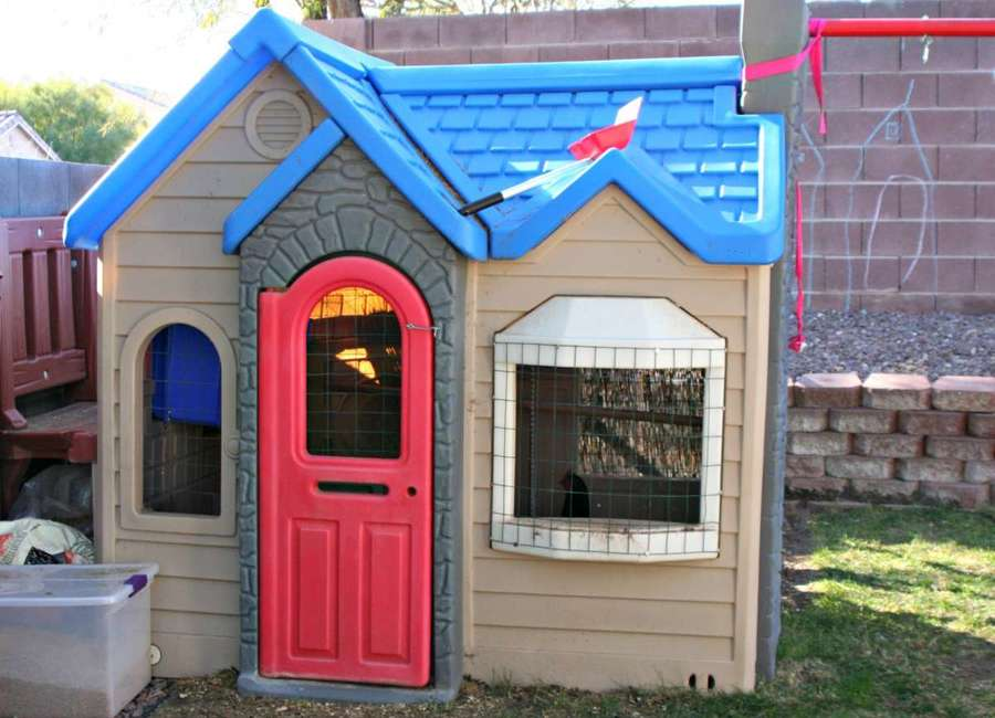 tikes-playhouse-chicken-coop-1