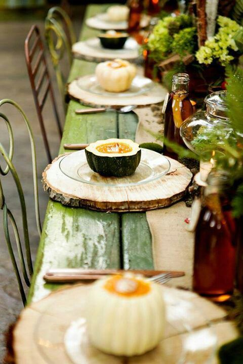 tree-stump-thanksgiving-table