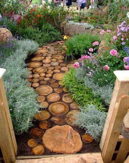 wood-pathway-idea-made-from-tree-stumps