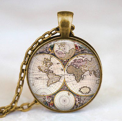 gold-vintage-world-map-necklace-gift-idea